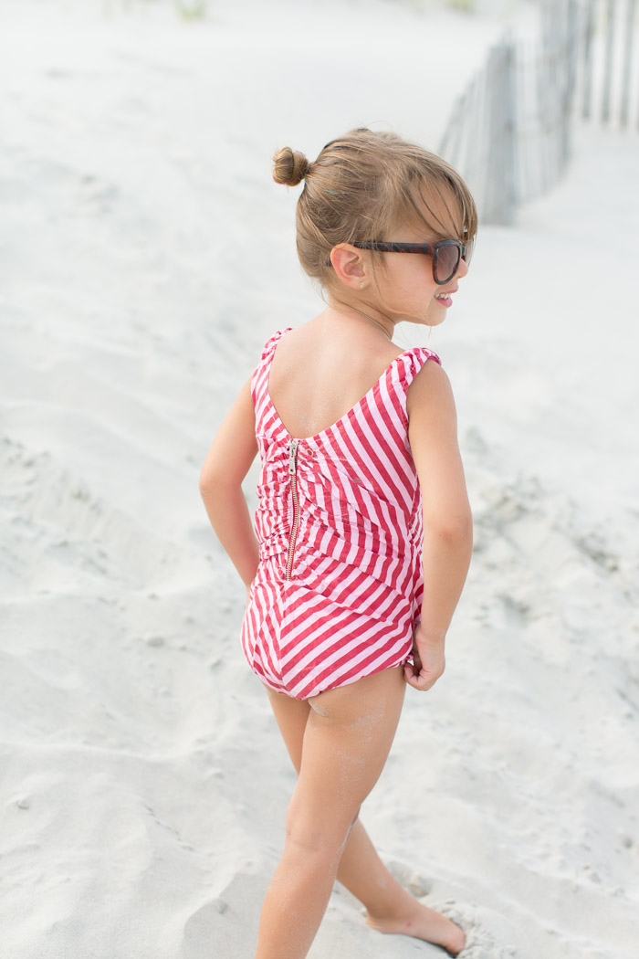 feather + light photography | child fashion blogger | wovenplay | retro girl style | keep them cool | vintage romper | stylin'