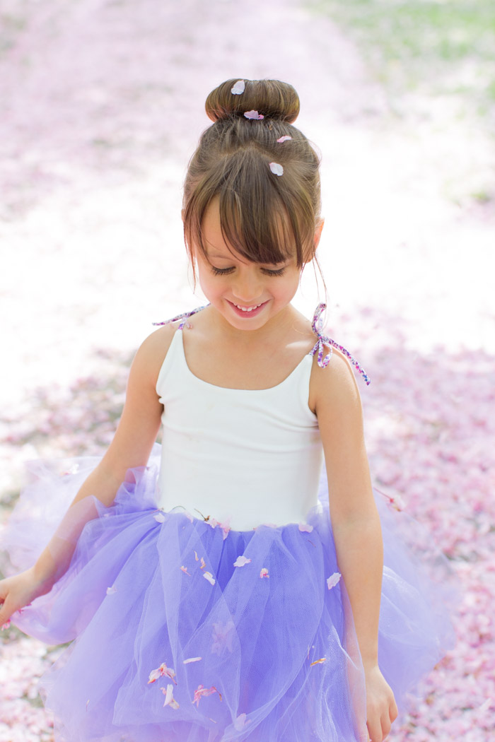 feather + light photography | child fashion blogger | wrare doll | tutu | rainboot style | pretty in pink