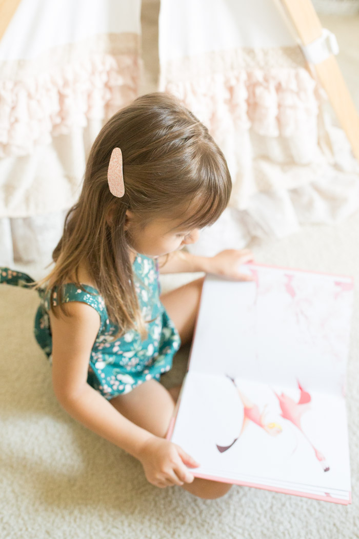 feather + light photography | child fashion blogger | momtog | child accessories | handmade | glitter