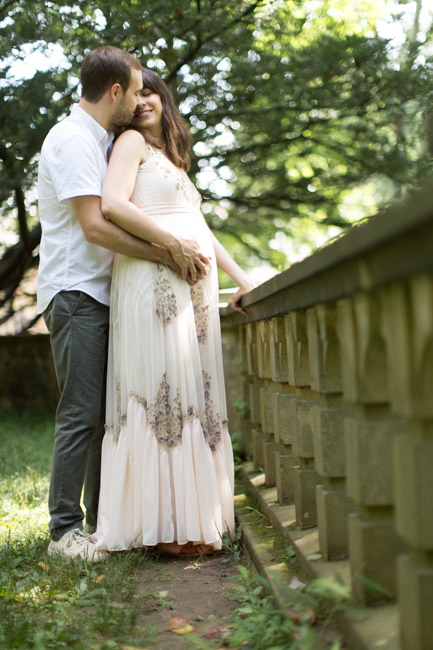 feather + light photography | maternity photographer | Hunting Hill Mansion | lifestyle maternity | romance